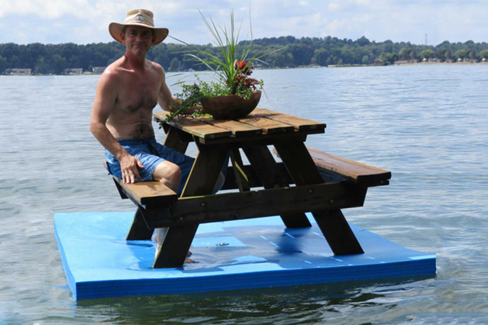 WaterMat MaxRaft Commercial Recreation Specialists - Picnic table raft