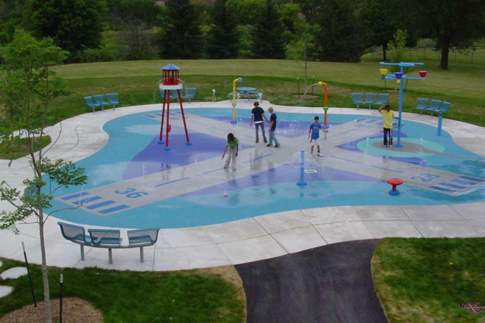 Crs teams with milwaukee county on splashpads commercial - Washington park swimming pool milwaukee ...